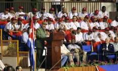Fidel Castro preside el acto de bienvenida a la selección nacional de béisbol de Cuba que participó en el I Clásico Mundial de esta disciplina deportiva y obtuvo el segundo lugar. Coliseo de la Ciudad Deportiva, Ciudad de la Habana, 21 de marzo del 2006