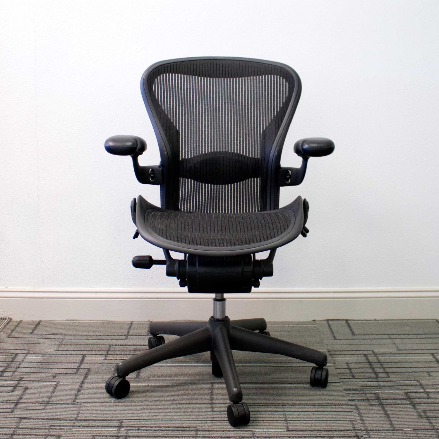 aeron chair used champagne banquet covers herman miller chairs size b vision office