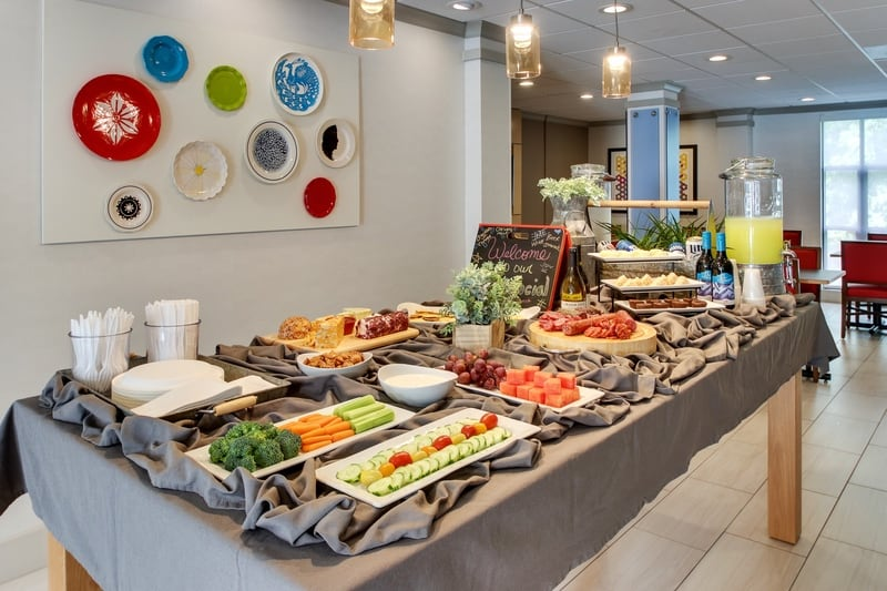 IHG Approved Photography for Holiday Inn Express Emory Managers Reception 01