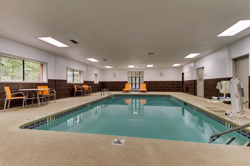 IHG Approved Photography for Holiday Inn Express Emory Pool 01 2