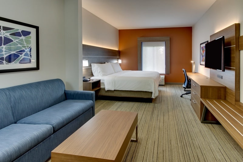 IHG Approved Photography for Holiday Inn Express Emory XSTN 01