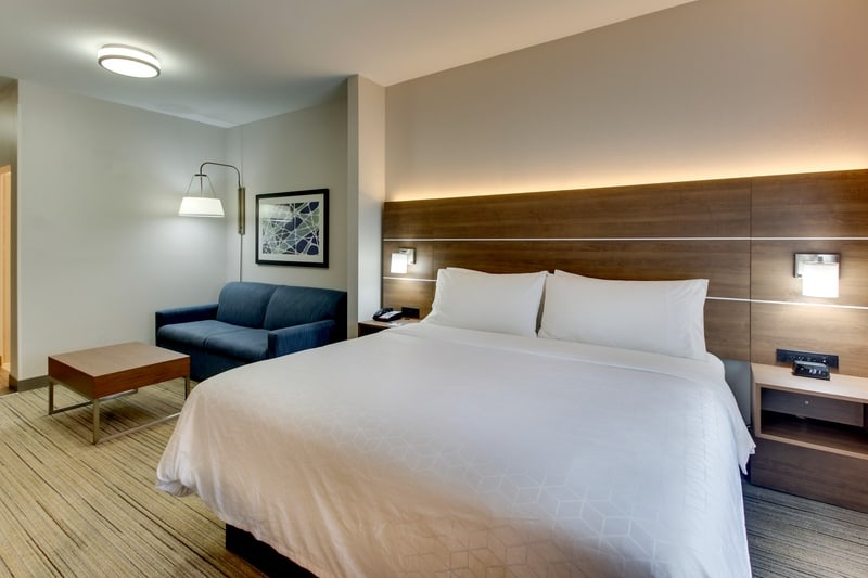 IHG Approved Photography for Holiday Inn Express Emory XSTN 03