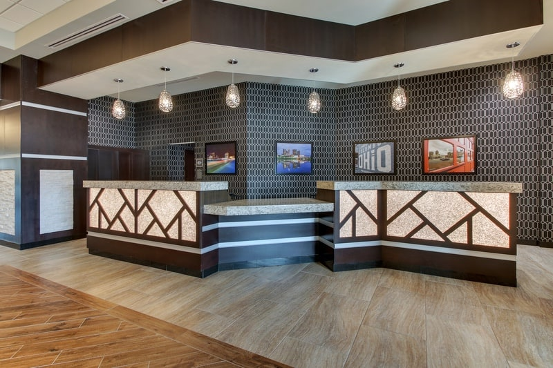 Drury Approved Photography for Drury Inn and Suites Columbus Polaris Front Desk