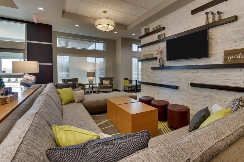 Drury Approved Photography for Drury Inn and Suites Columbus Polaris Lobby 03 2