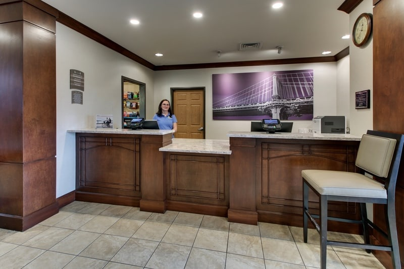 IHG Approved Hotel Photography for Staybridge Suites Missoula Front Desk W Staff 02