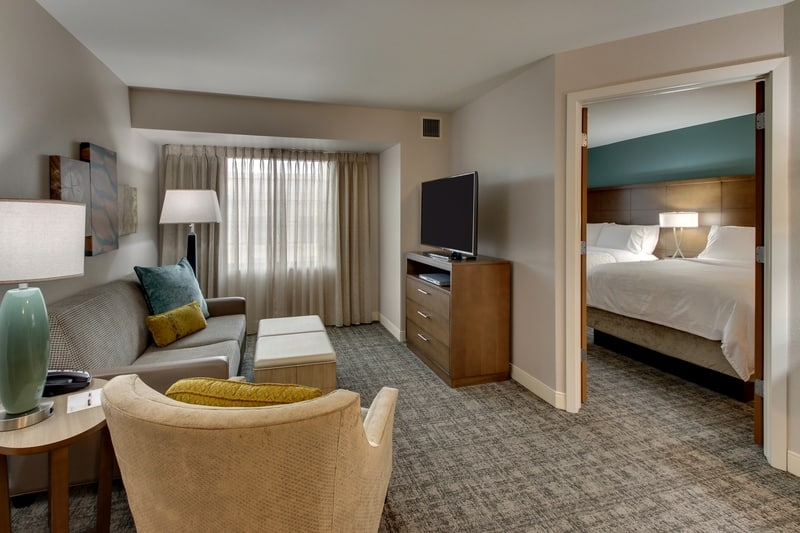 IHG Approved Hotel Photography for Staybridge Suites Missoula T12N 01