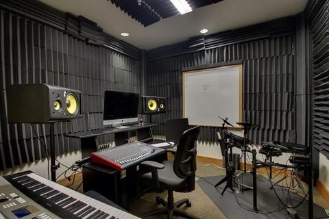 Boarding School Virtual Tour for Lake Tahoe Prep Music Classroom 03
