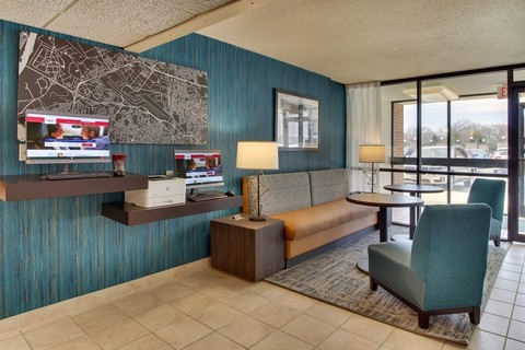 Drury Approved Photography for Pear Tree Inn St. Louis Business Center 01