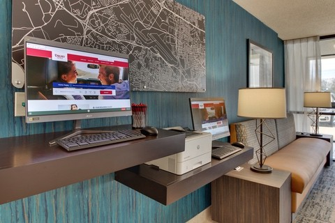 Drury Approved Photography for Pear Tree Inn St. Louis Business Center 02