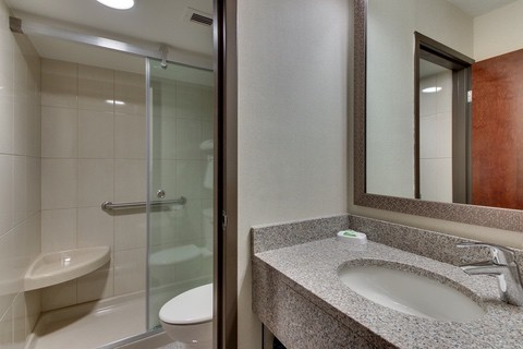 Drury Approved Photography for Pear Tree Inn St. Louis Guest Bathroom 01