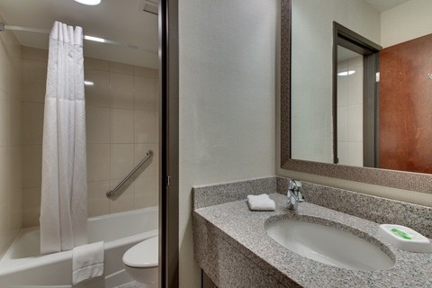 Drury Approved Photography for Pear Tree Inn St. Louis Guest Bathroom 02