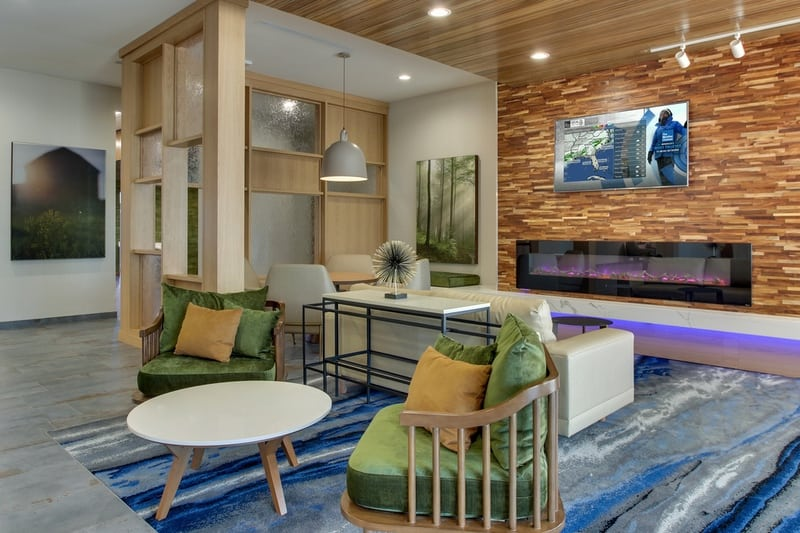 Marriott approved photography for Fairfield inn Houston Brookhollow - FF HOUFB Lobby 04