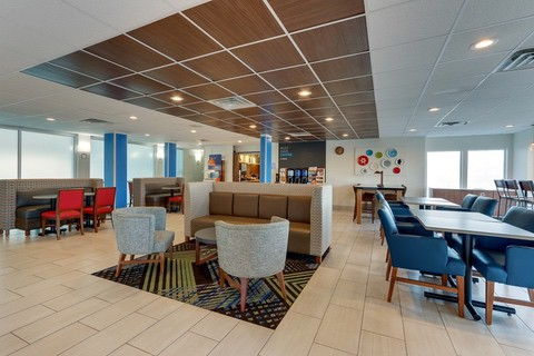 Hotel photography of Holiday Inn Express breakfast area