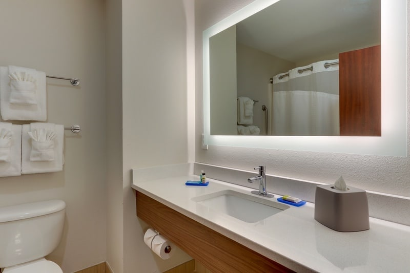 IHG Approved Photography for Holiday Inn Express Dayton Centerville Guest Bathroom