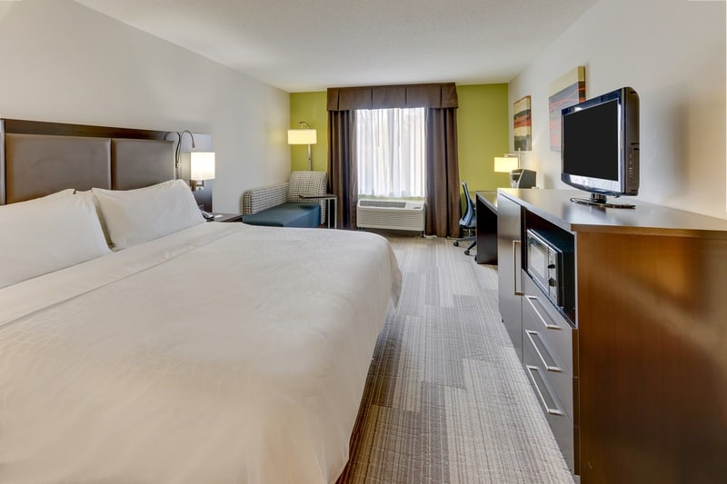IHG Approved Photography for Holiday Inn Express Dayton Centerville KNGN 01