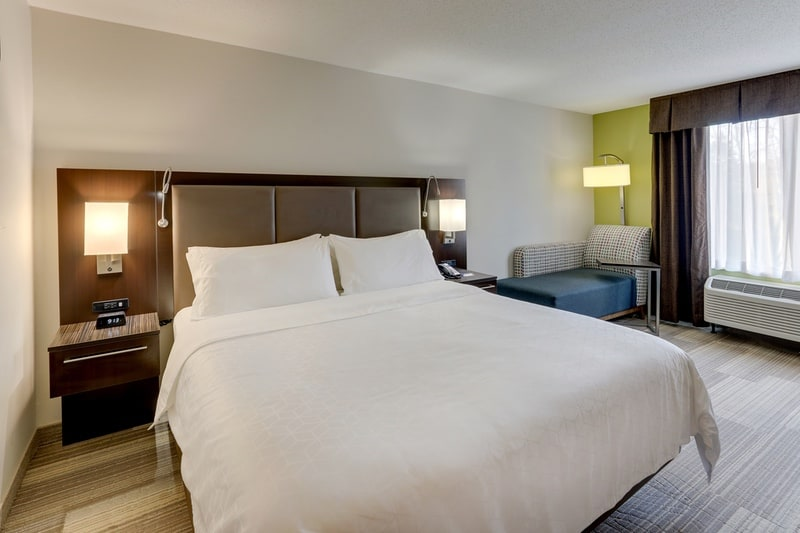 IHG Approved Photography for Holiday Inn Express Dayton Centerville KNGN 02