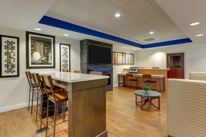 IHG Approved Photography for Holiday Inn Express Dayton Centerville Lobby 05