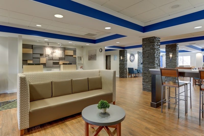 IHG Approved Photography for Holiday Inn Express Dayton Centerville Lobby 06