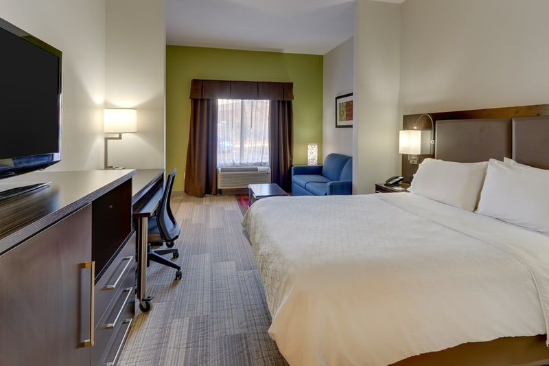 IHG Approved Photography for Holiday Inn Express Dayton Centerville XFTN 01