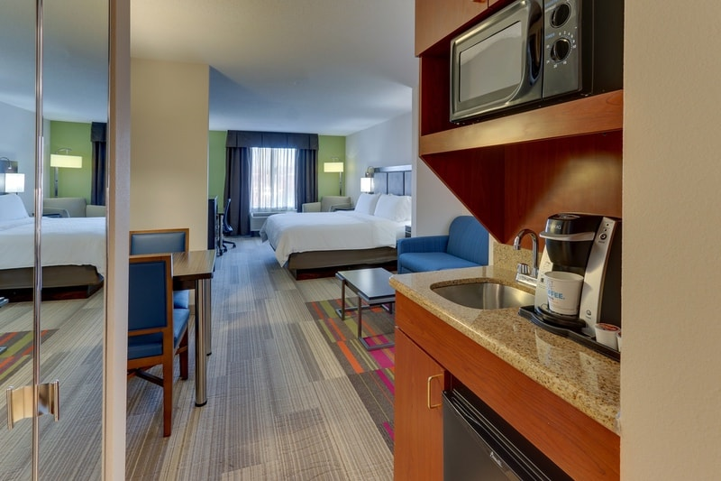 IHG Approved Photography for Holiday Inn Express Dayton Centerville XKLN 05