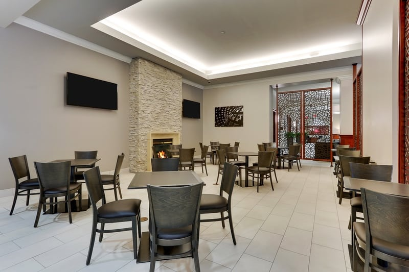 Hilton approved hotel photography for doubletree stl forest park Dining Area 01