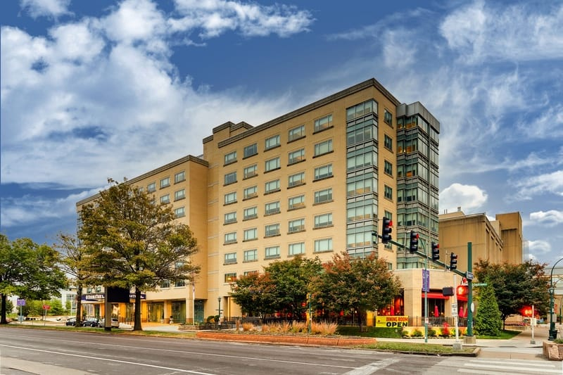 Hilton approved hotel photography for doubletree stl forest park Exterior 03
