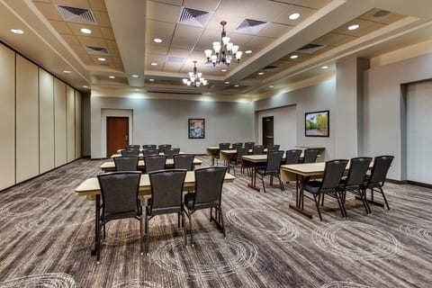 Professional Hotel photography of Drury Hotels meeting room