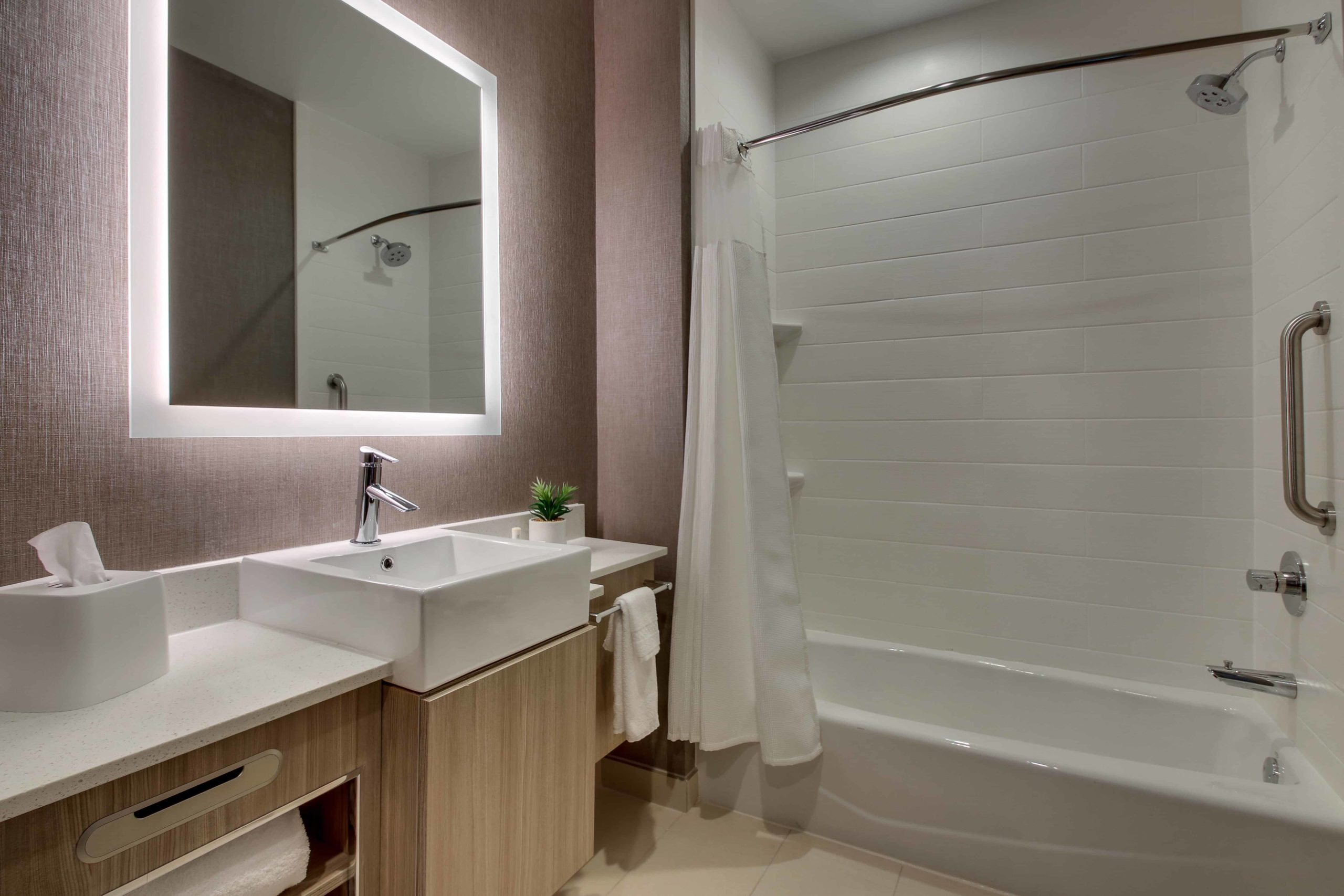 approved Hotel Photography of springHill Suites Gulfport 0017 0013
