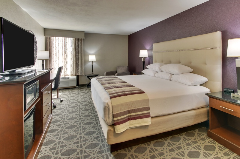 Drury Approved Hotel Photography for Drury Inn and suites Poplar Bluff, MO