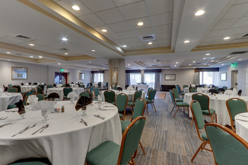 IHG Approved Hotel Photography for Holiday Inn Express Chesapeake House
