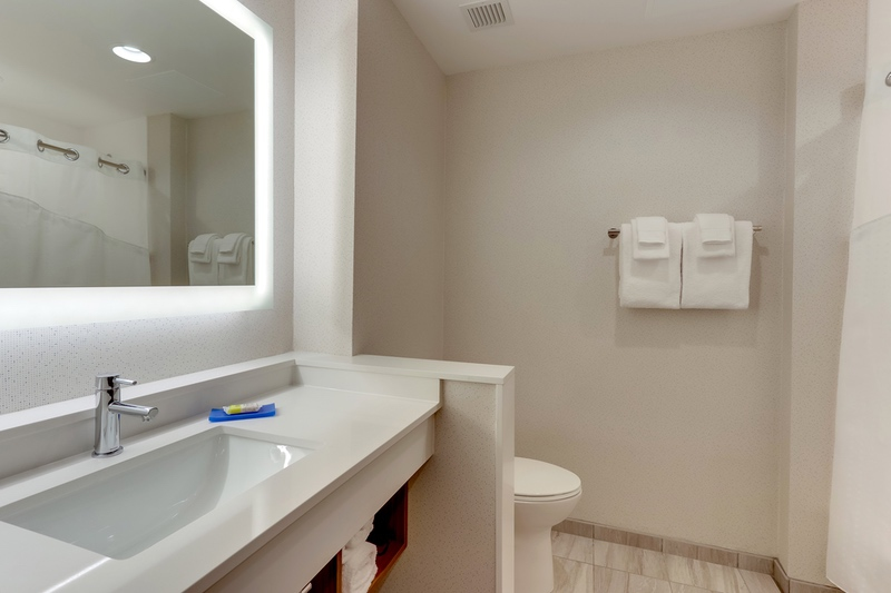 IHG Approved Photography for Holiday Inn Express Wilmington Porter's Neck