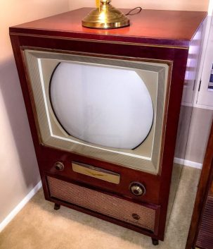 Vintage RCA Color TV