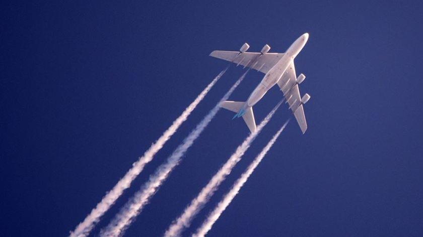 airplane-flying-overhead