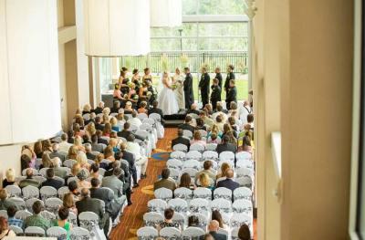 wedding-indoor-vows