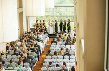 wedding-indoor-vows