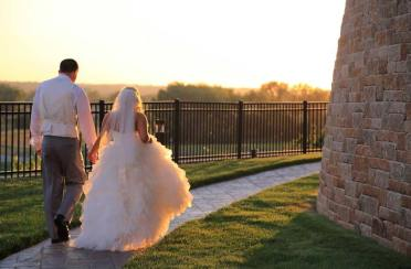 wedding-outdoor-path
