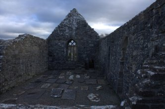 07-aughagower-round-tower-church-mayo-ireland