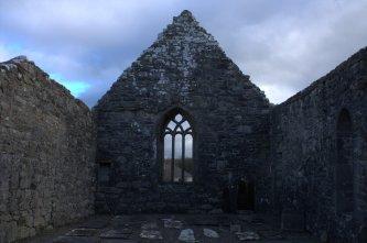 08-aughagower-round-tower-church-mayo-ireland