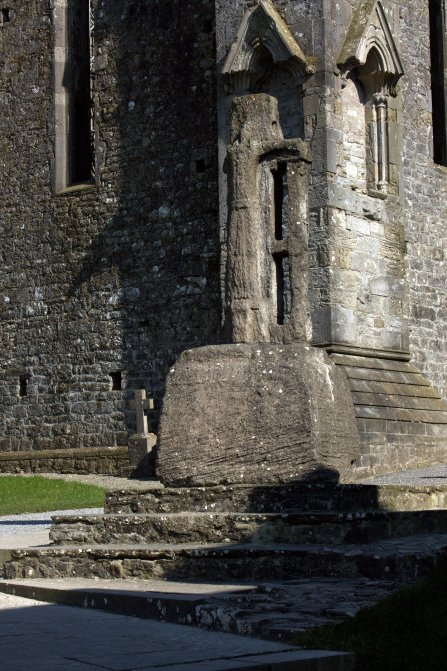 07-rock-of-cashel-tipperary-ireland