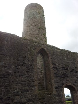 08. Taghadoe Church and Round Tower