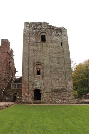 14-goodrich-castle-herefordshire-england
