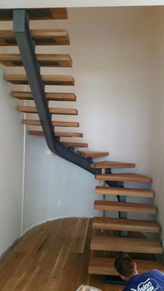 Curved Modern Staircase 7