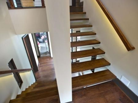 HGTV Open Stairs Lighted Rails 1