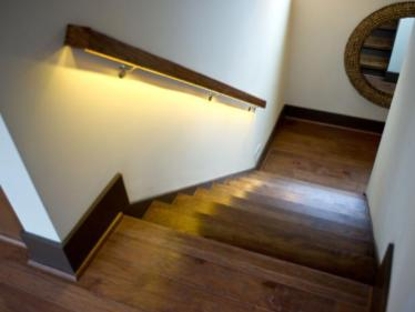 HGTV Open Stairs Lighted Rails 4