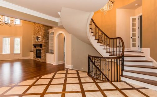 Loyd Curved Staircase 18