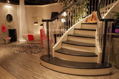 Contemporary Curve Stair with Acrylic Balusters