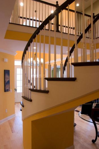 Traditional Curved Staircase 37