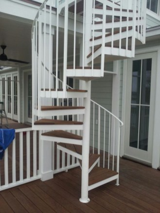 05 - Aluminum Exterior Spiral Stair with Ipe treads 2