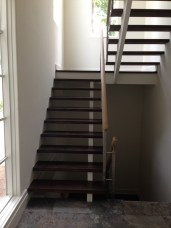18 - Sissor Open riser stair with cable