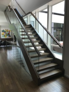 28 - Modern Freestanding Open rise Straight stair 1